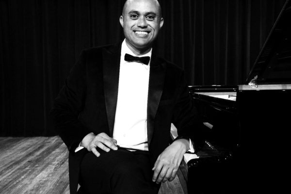 EP01: Ludwig Treviranus - Using Comedy and Music to teach kids confidence