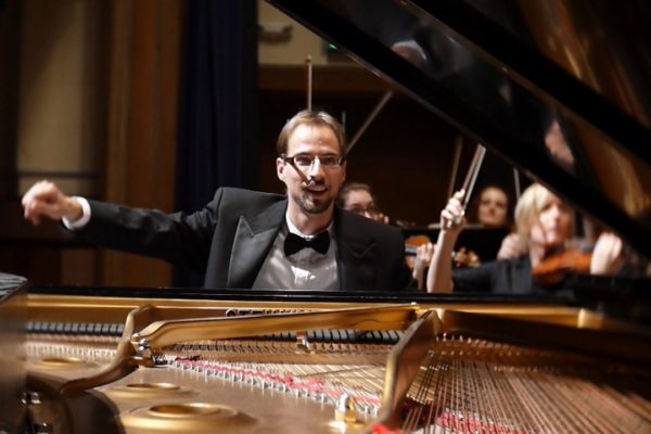 EP03: Justin Bird - On his journey as a pianist, teacher and father